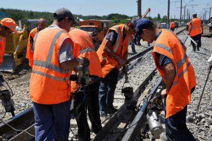 Подъемочный ремонт путей